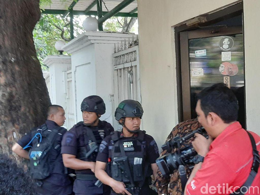Jelang Pertemuan Megawati-Prabowo, Polisi Bersiaga di Jl Teuku Umar