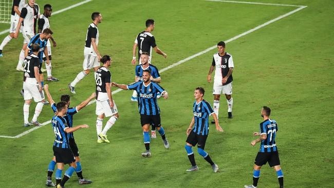 Juventus dan Inter Milan menjadi kandidat kuat pemenang scudetto. (Foto: Zhizhao Wu/Getty Images)