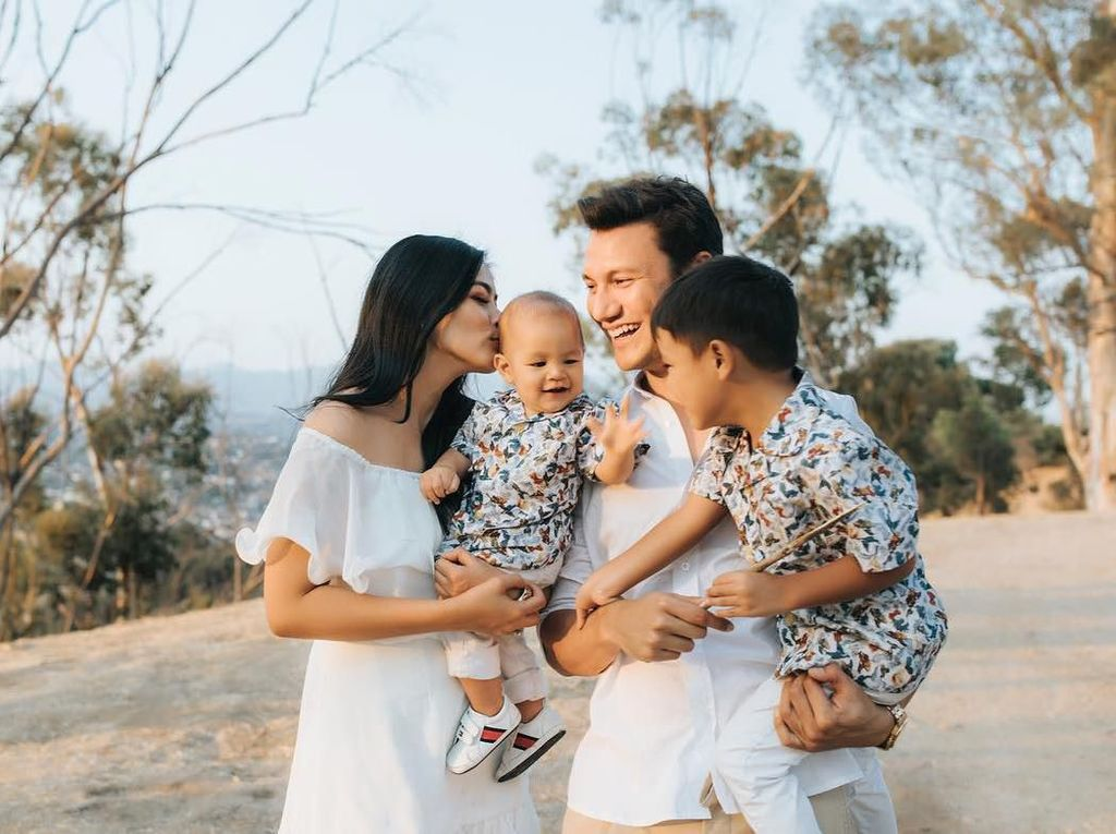 Titik Terendah di Pernikahan Titi Kamal dan Christian Sugiono
