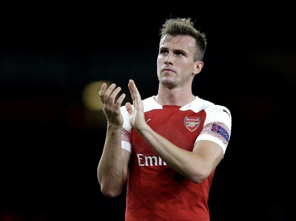 Eitss...Hampir Saja Bek Arsenal Ini Tanda Tangani Jersey Tottenham