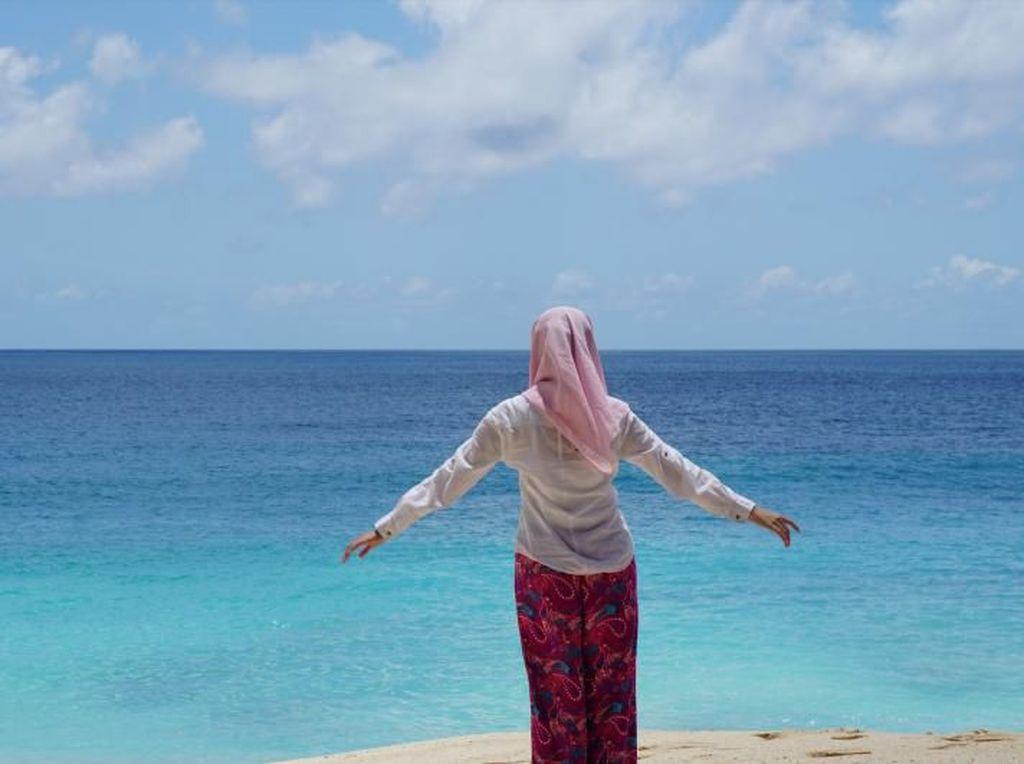 Foto: Minahasa Punya Pantai Secantik Ini