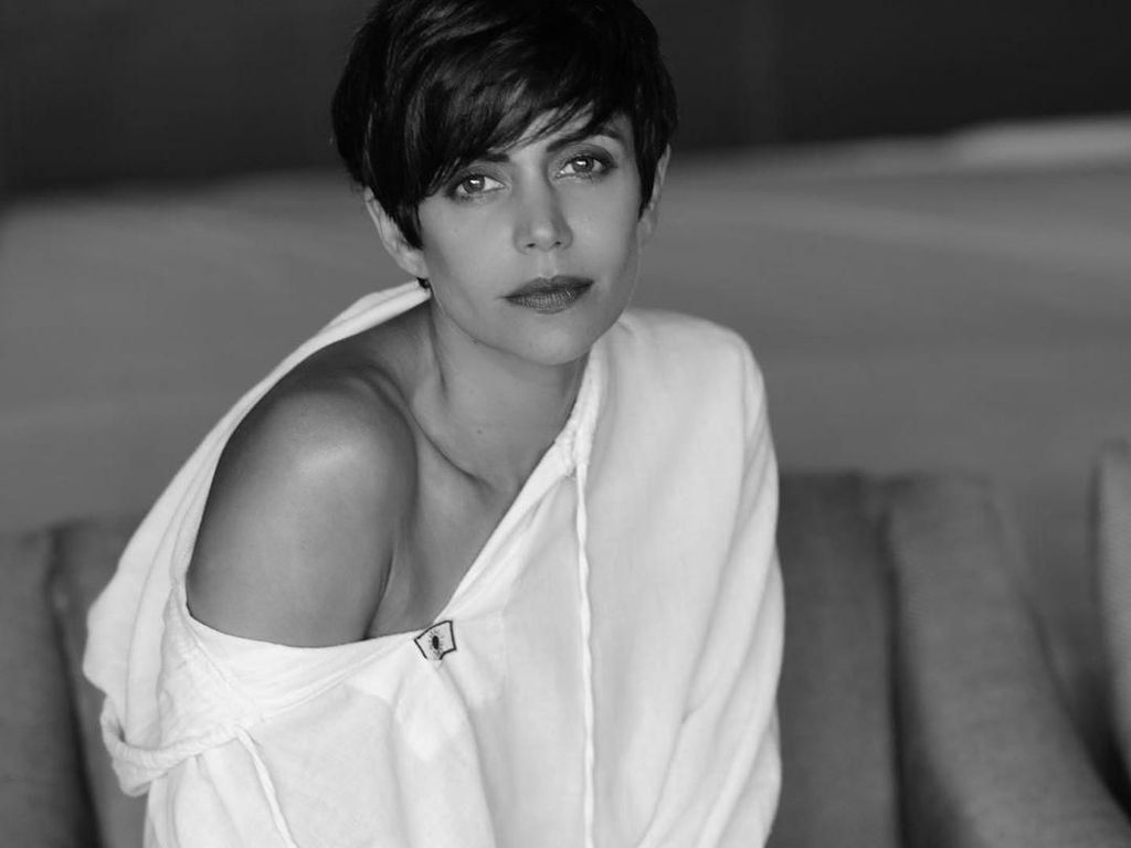 Aktris India Ini Buktikan Age is Just a Number, Seksi Berbikini di Usia 47