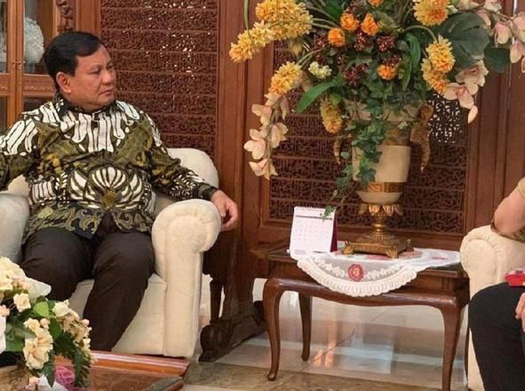 Fakta Kulineran Prabowo hingga Katering Penuh Lalat dan Kecoa Didenda