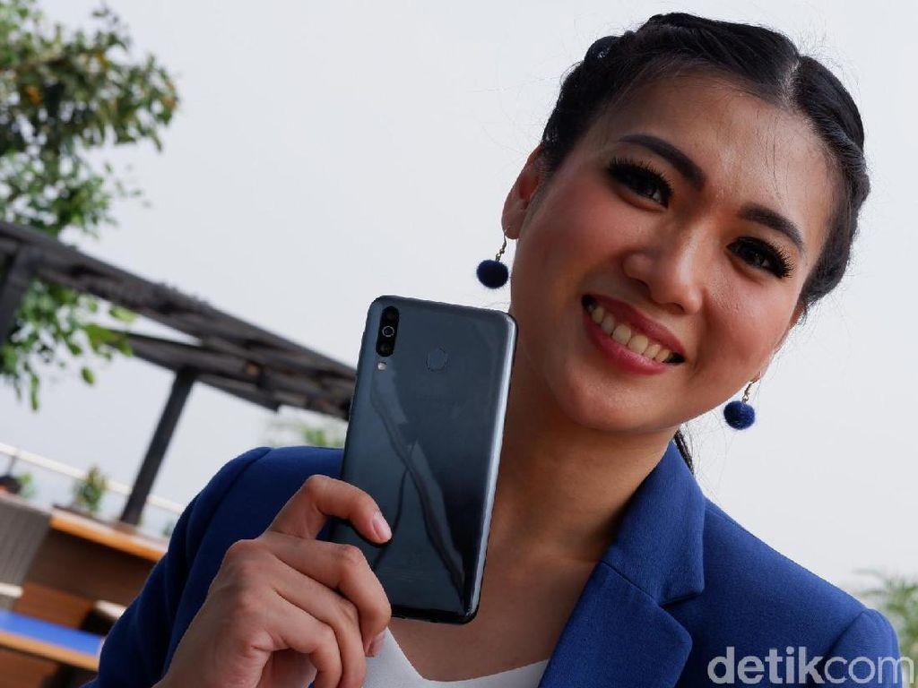 Unboxing Samsung Galaxy M30, Ponsel Baterai Jumbo Rp 3 Jutaan