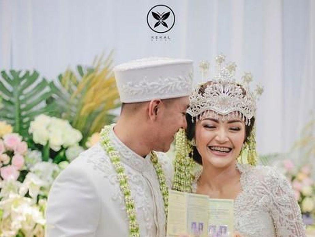 Kabar Pernikahan Siti Badriah yang Rogoh Kocek Miliaran Rupiah