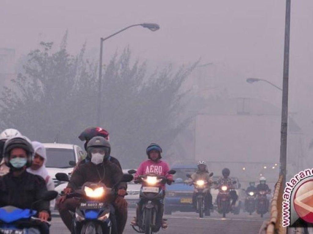 1 Juta Penduduk Pekanbaru Kini Terpapar Asap Karhutla