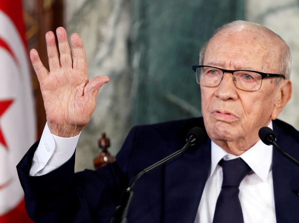 Nyaris 100 Kandidat Mencalonkan Diri Jadi Presiden Tunisia