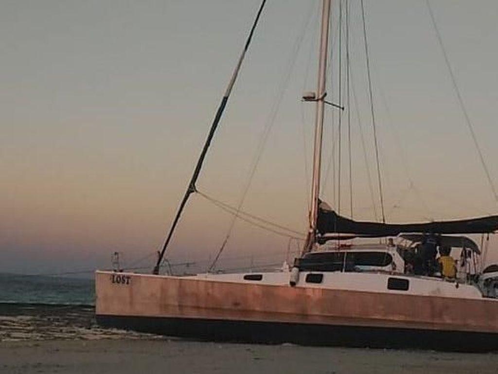 WN Australia Terdampar Bersama Kapal Pesiarnya di Sumba Timur