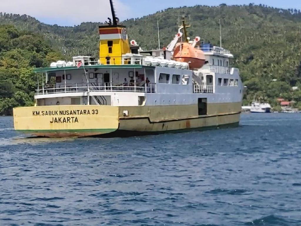 Kemenhub Serahkan Kapal Tol Laut untuk Indonesia Timur ke Operator