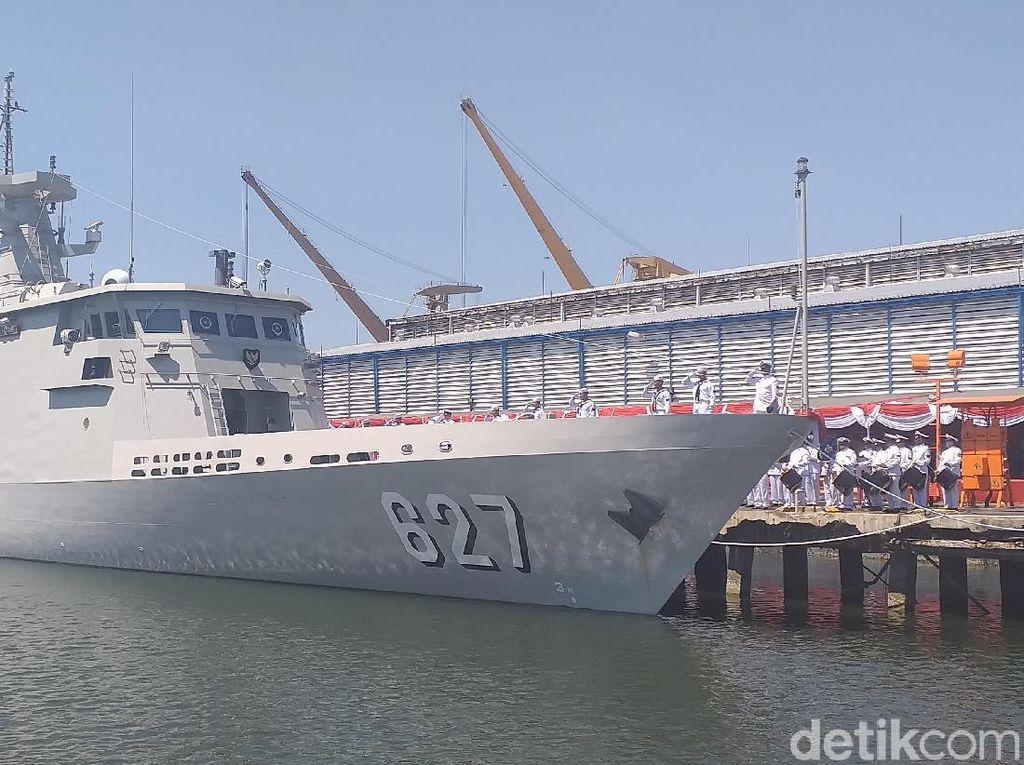 Kemenhan Terima Kapal Perang KCR 60 KRI Kerambit-627