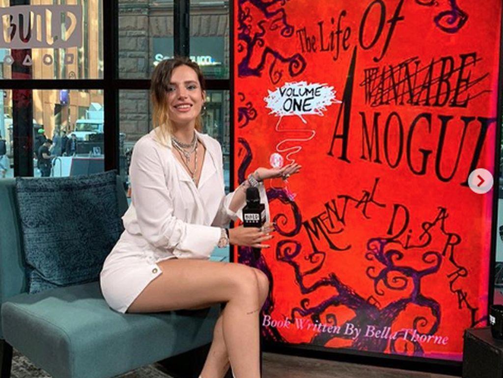 Gaya Kulineran Bella Thorne, Artis yang Raup Rp 14 Miliar Sehari