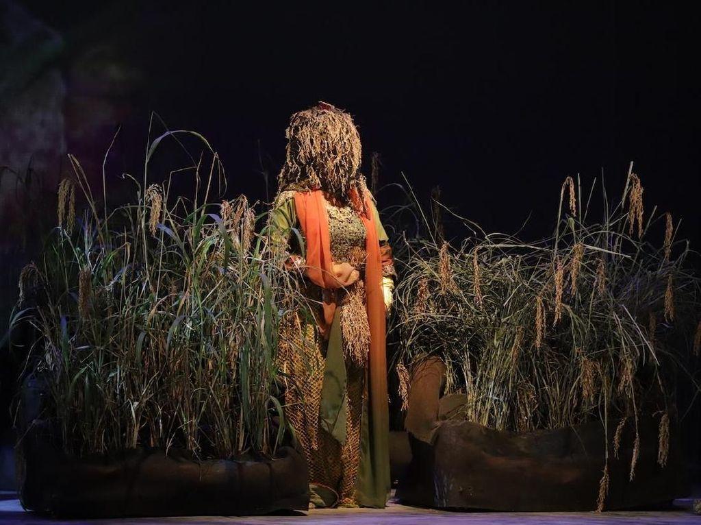Demi Mahabarata 2, Teater Koma Riset ke Desa Adat Ciptagelar