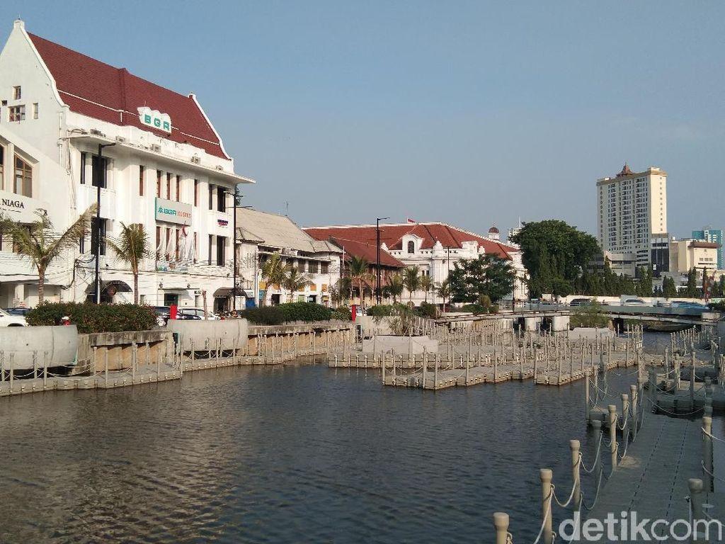 Kota Tua Ditutup, Area Kali Besar Ramai Dikunjungi Wisatawan