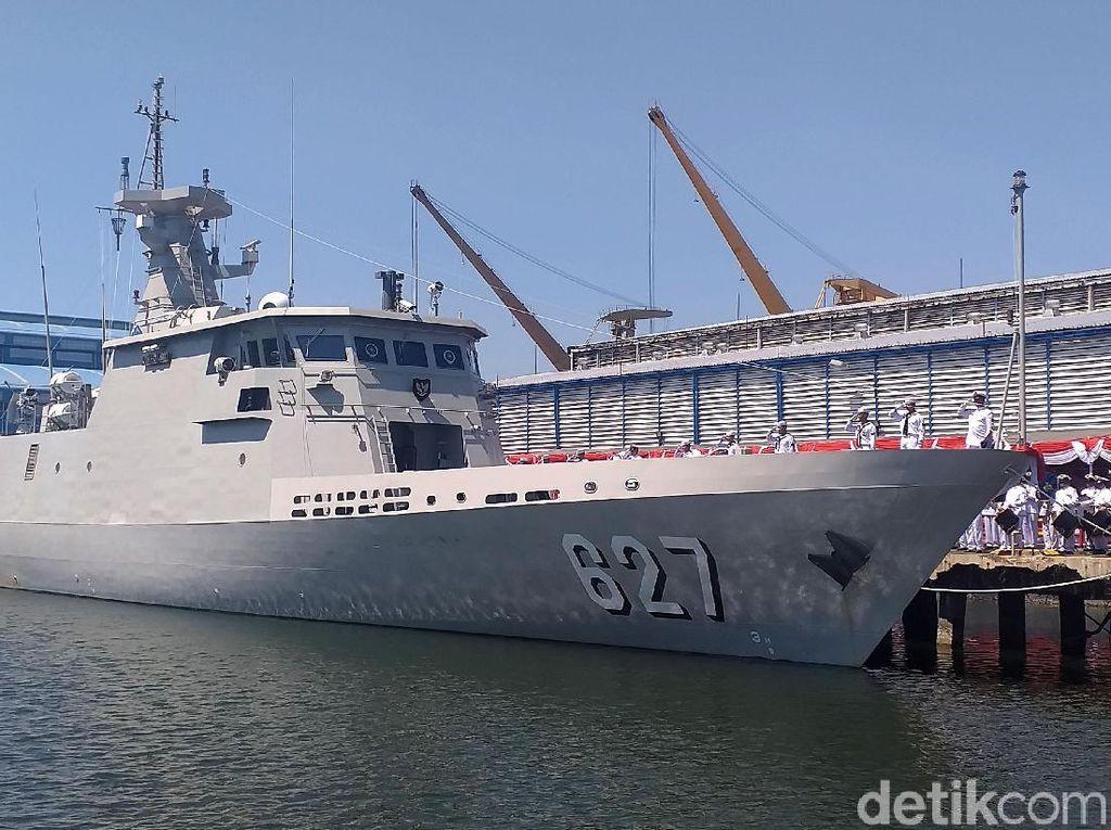PT PAL Serahkan Kapal Perang ke Kemenhan