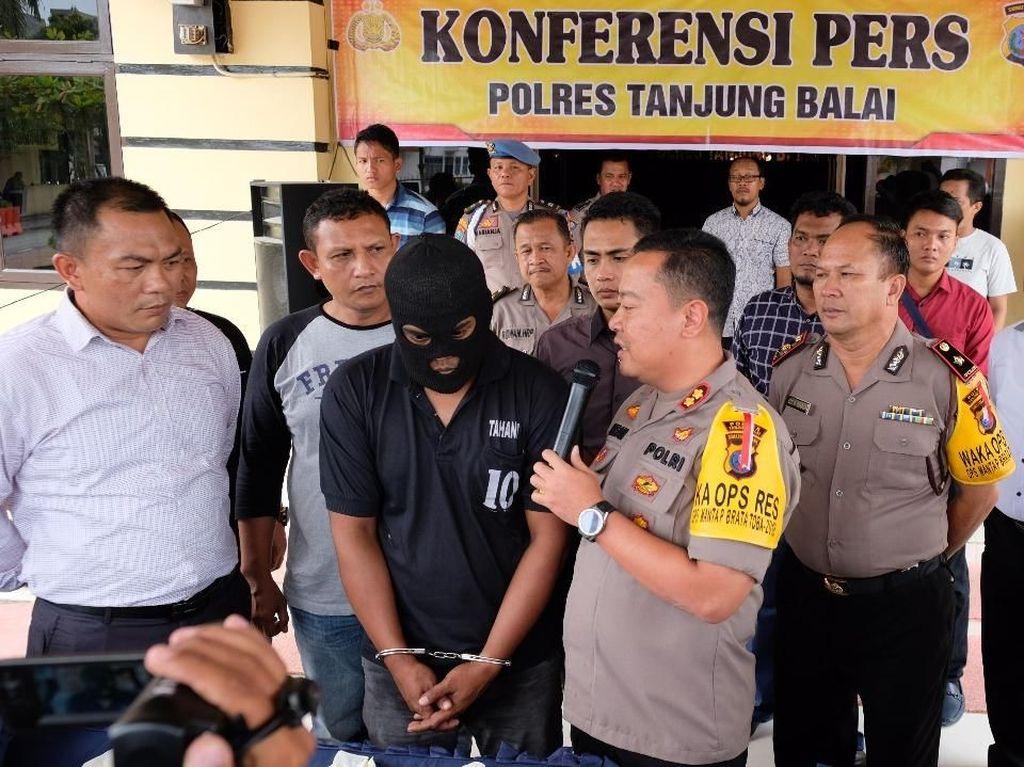 Polisi Amankan 43 TKI Ilegal dari Malaysia, 1 Orang Kedapatan Bawa 8 Kg Sabu