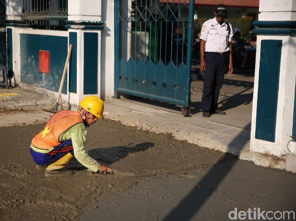 Trotoar Jalan Dr Sutomo Jakarta Pusat Direvitalisasi