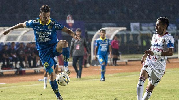 Persib bertekad meraih tiga poin menjamu Borneo untuk bisa bangkit. (