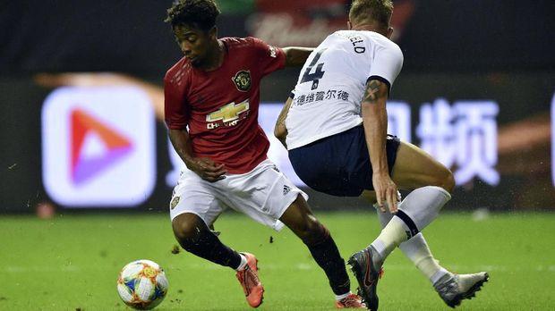 Angel Gomes cetak gol kemenangan Man United lawan Tottenham Hotspur.