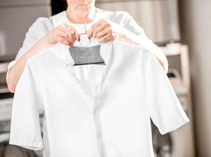 6 Cara Membuat Baju Putih yang Menguning Kaprikornus Seperti Baru Lagi