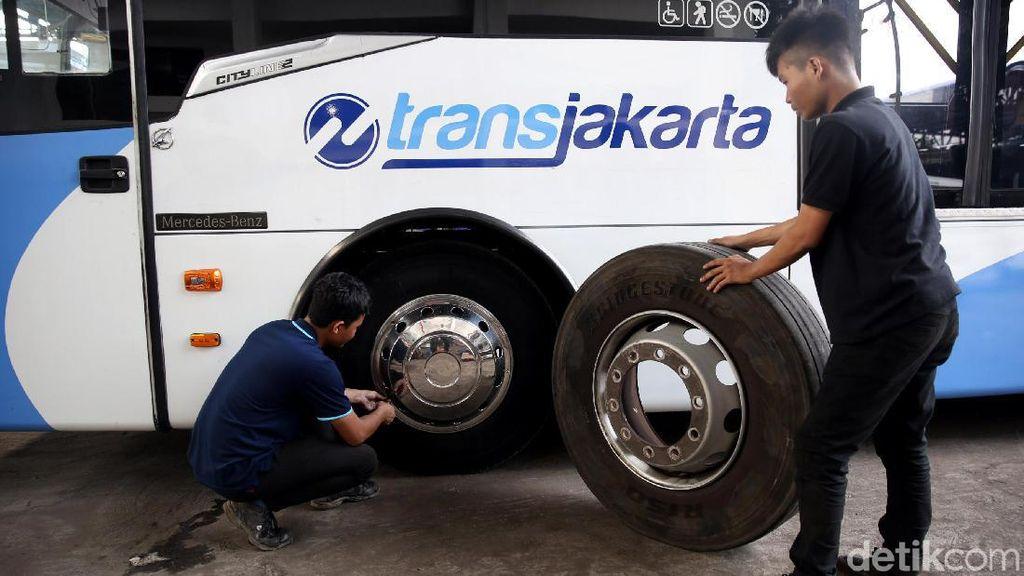 Yuk, Lihat Perawatan Bus Andalan Warga Jakarta