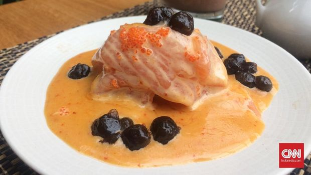 Salmon salad boba