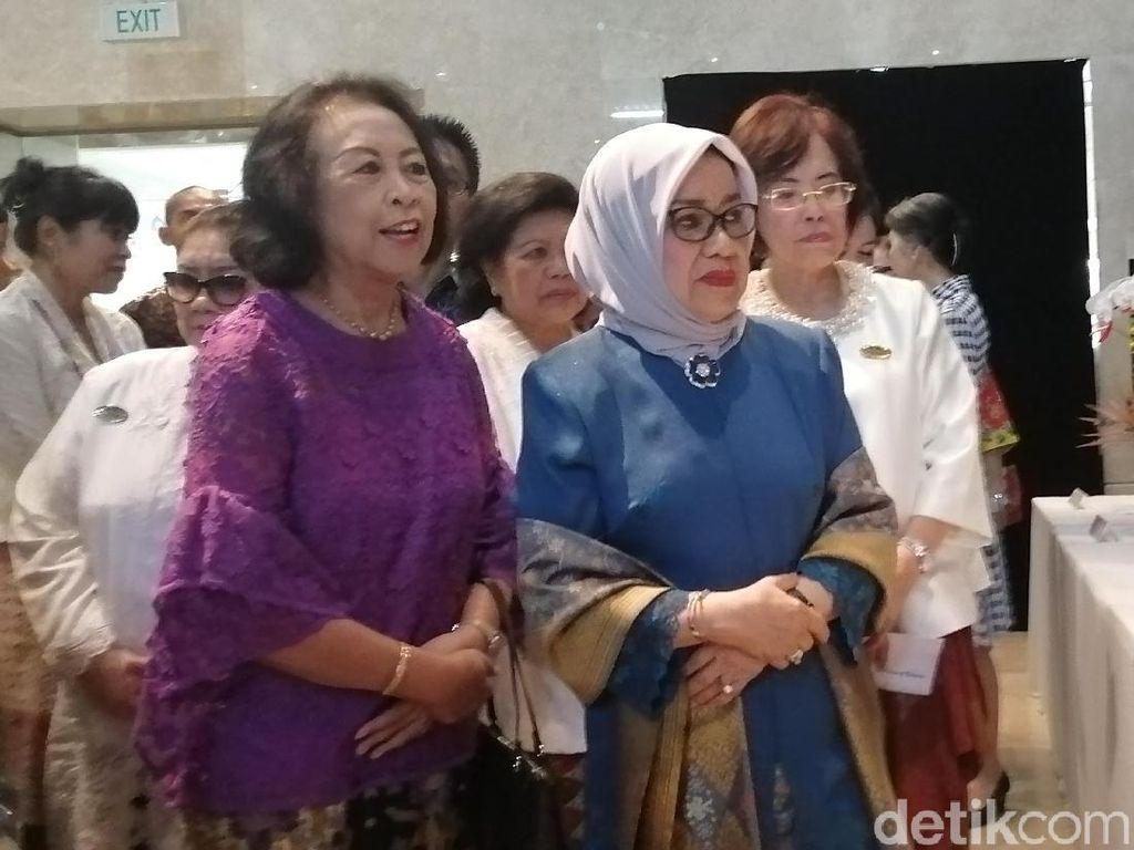 Mufidah Kalla Buka Pameran Ikebana International di Museum Nasional
