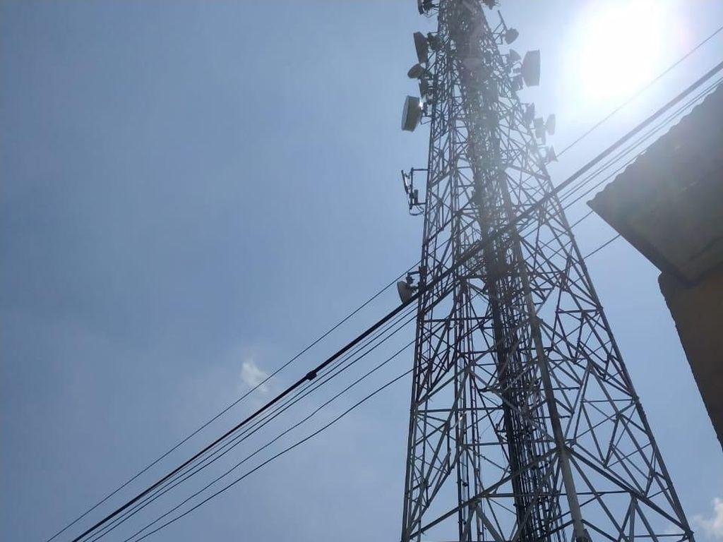 Seorang Pria Tewas Loncat dari Tower Setinggi 50 Meter di Jaktim