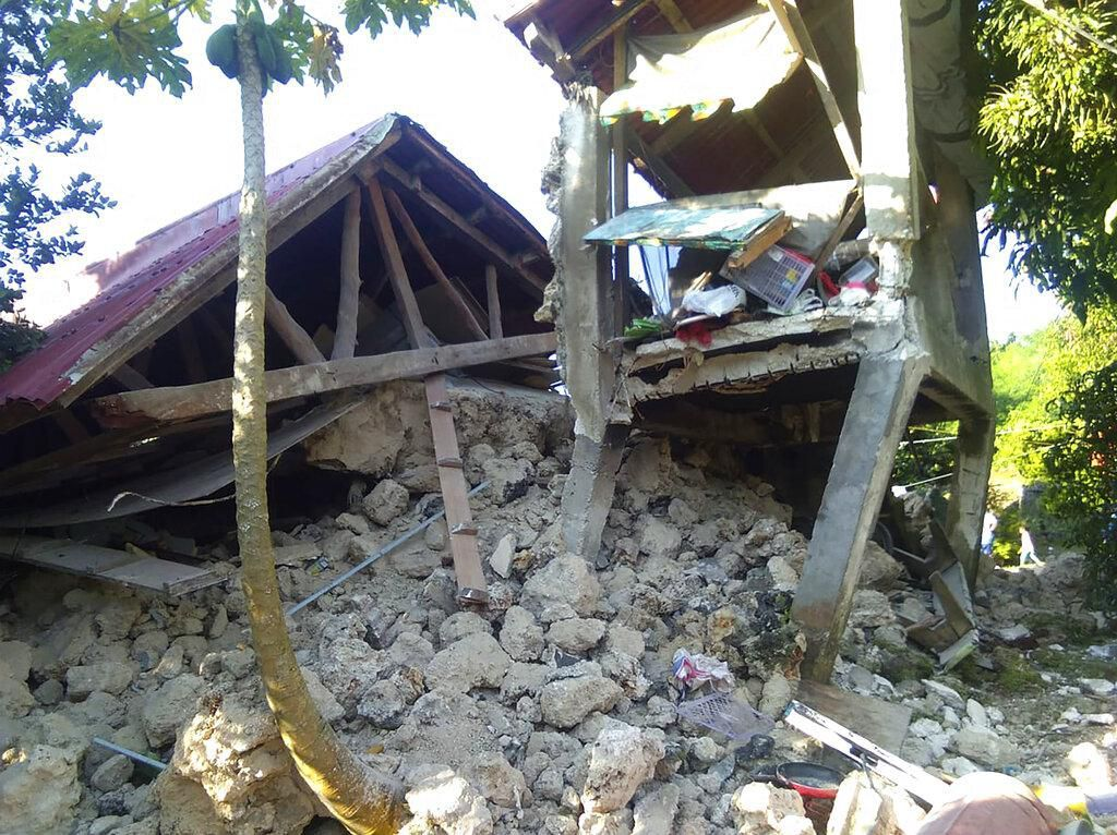 Gempa Guncang Filipina, 4 Orang Tewas