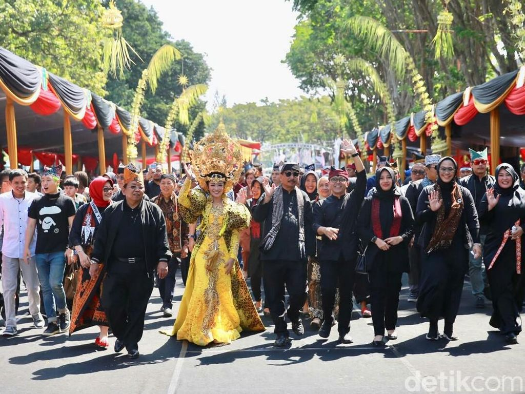 Buka Banyuwangi Ethno Carnival, Menteri Pariwisata: Keren Sekali