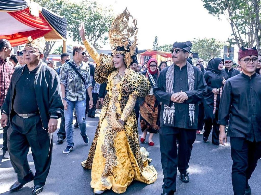 Menpar Paparkan Rahasia Suksesnya Banyuwangi Ethno Carnival 2019