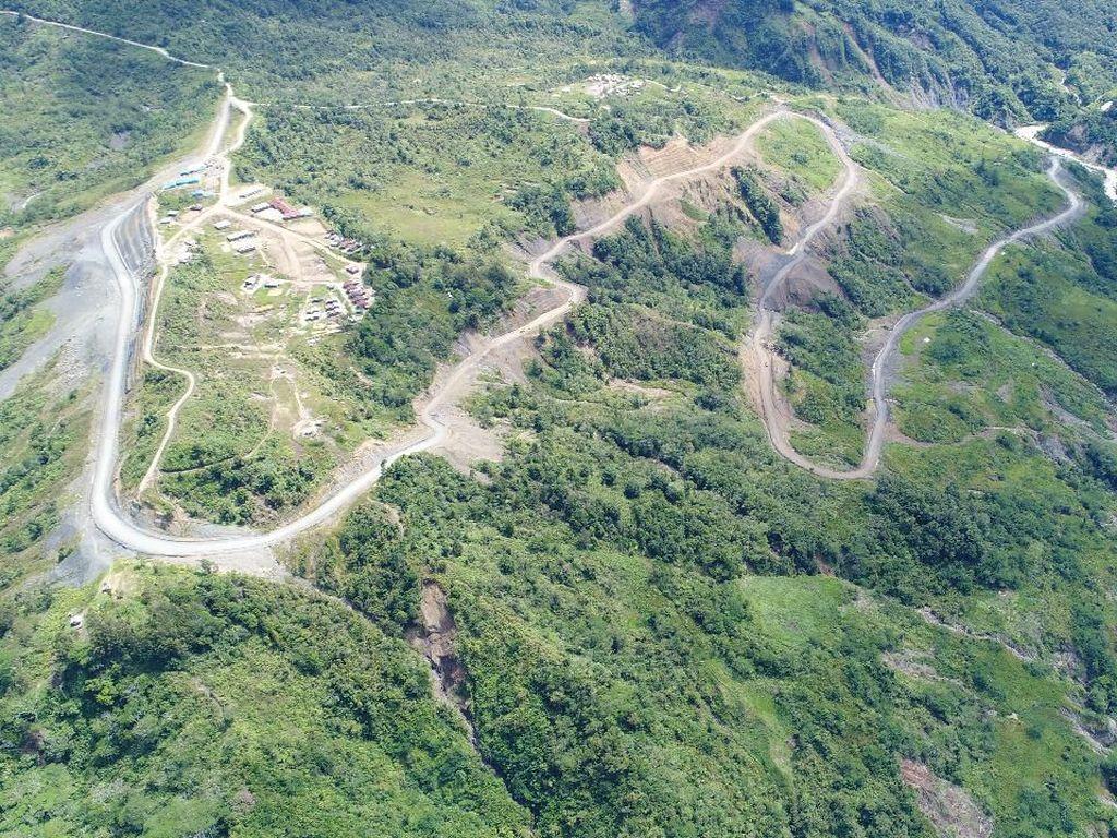 Jokowi Sudah Sambungkan 919 Km Jalan Perbatasan Papua