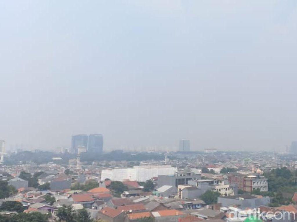 Data AirVisual Minggu Siang: Kualitas Udara DKI Terburuk Ketiga