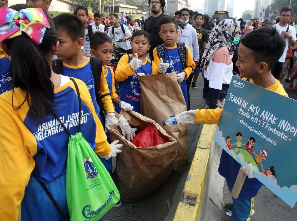 Anak-anak Kampanyekan Pengurangan Plastik di CFD
