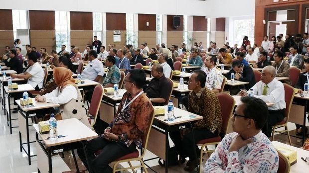 Para capim KPK mengikuti psikotes di Gedung Diklat Sekretariat Negara, Jakarta, 28 Juli.