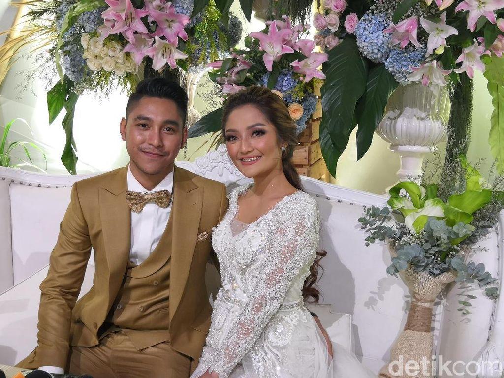 Siti Badriah-Krisjiana Curhat Ada Gangguan saat Malam Pertama