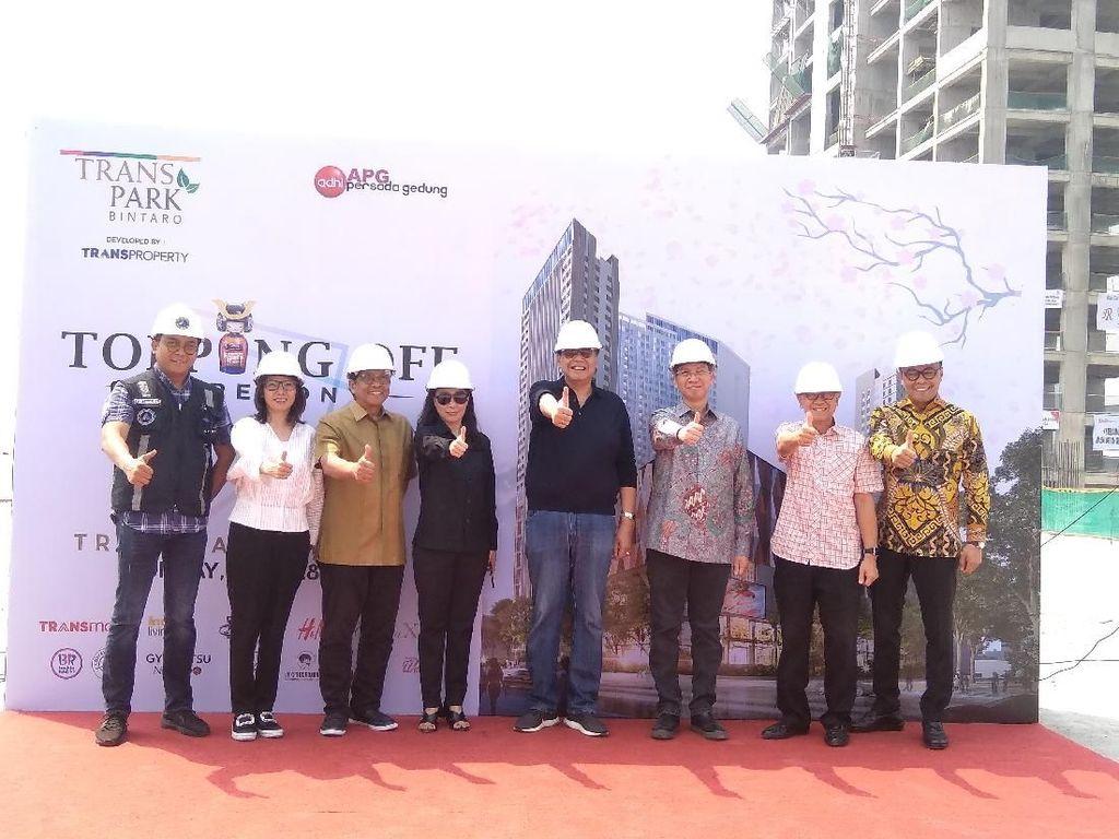 Chairul Tanjung Resmikan Topping Off Transpark Mal Bintaro