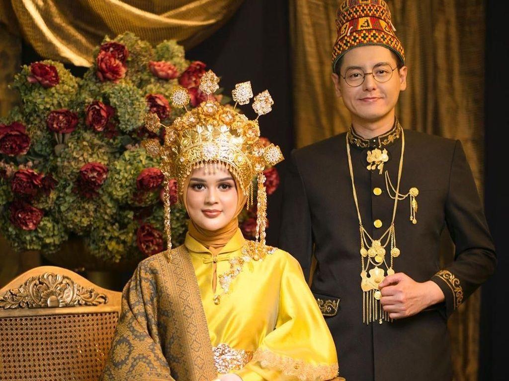 Adat Aceh Dipilih Cut Meyriska dan Roger Danuarta saat Akad Nikah