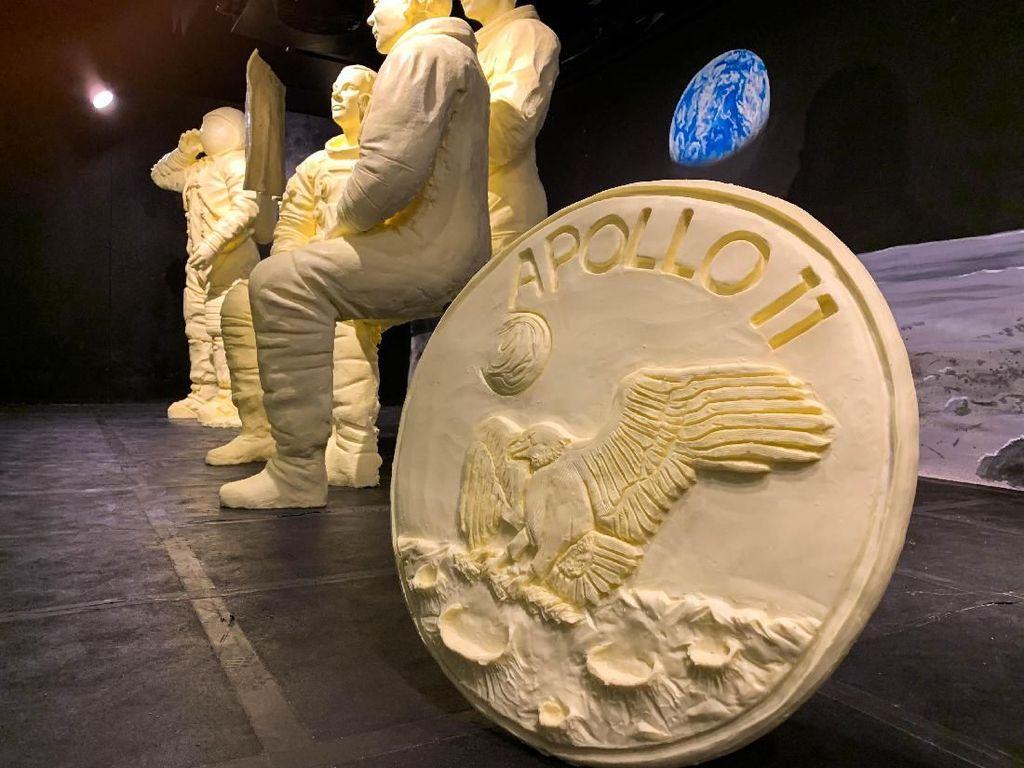 1 Ton Mentega Disulap Jadi Patung Awak Apollo 11