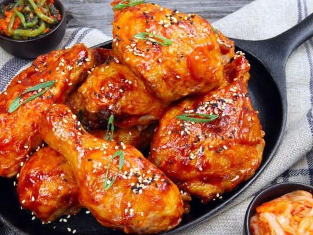 Wow! Sehari Kedai Ayam Goreng di Korsel Bisa Jual 52.000 Potong Ayam