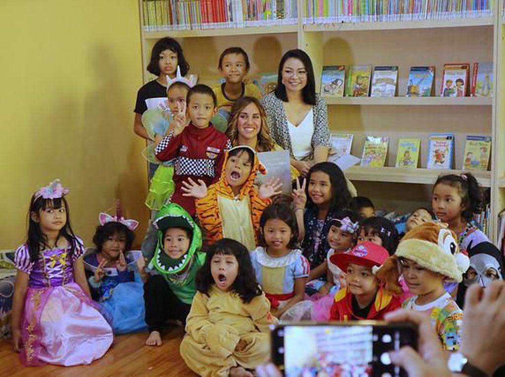 Penulis Cerita Anak Australia Sambangi Jakarta dan Bali