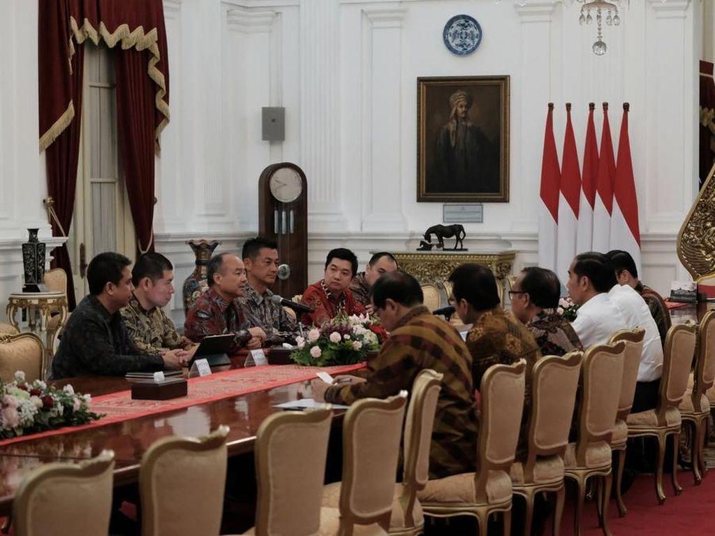 Orang Terkaya Jepang Lapor Progres Investasi Mobil Listrik ke Jokowi