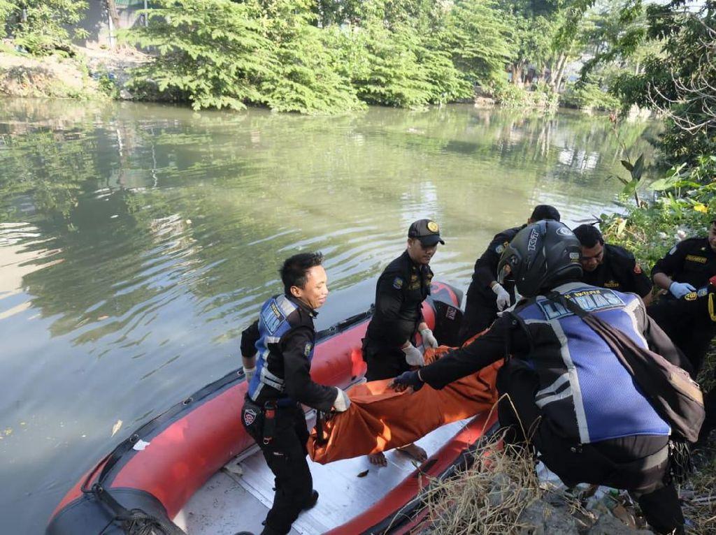 Mayat Pria Diduga Pelaku Jambret Ditemukan Mengapung di Kalimas
