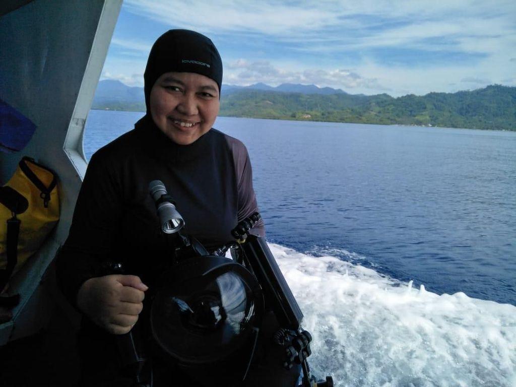 Ria Qorina, Penyelam Wanita Penjaga Laut Indonesia