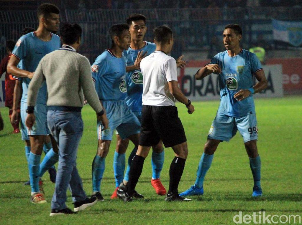 Melongok Ribut-Ribut di Laga Persela Lamongan Vs Borneo FC