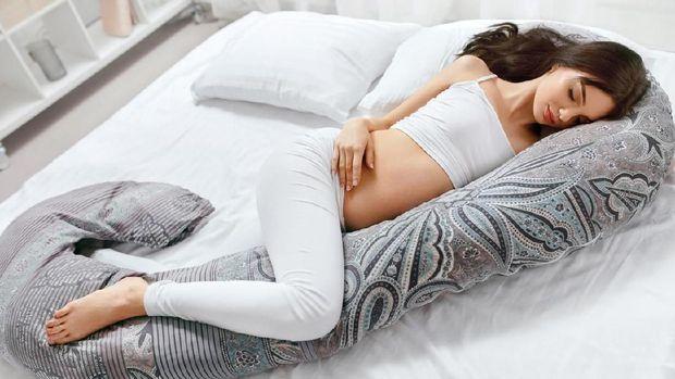 ilustrasi ibu hamil tidur