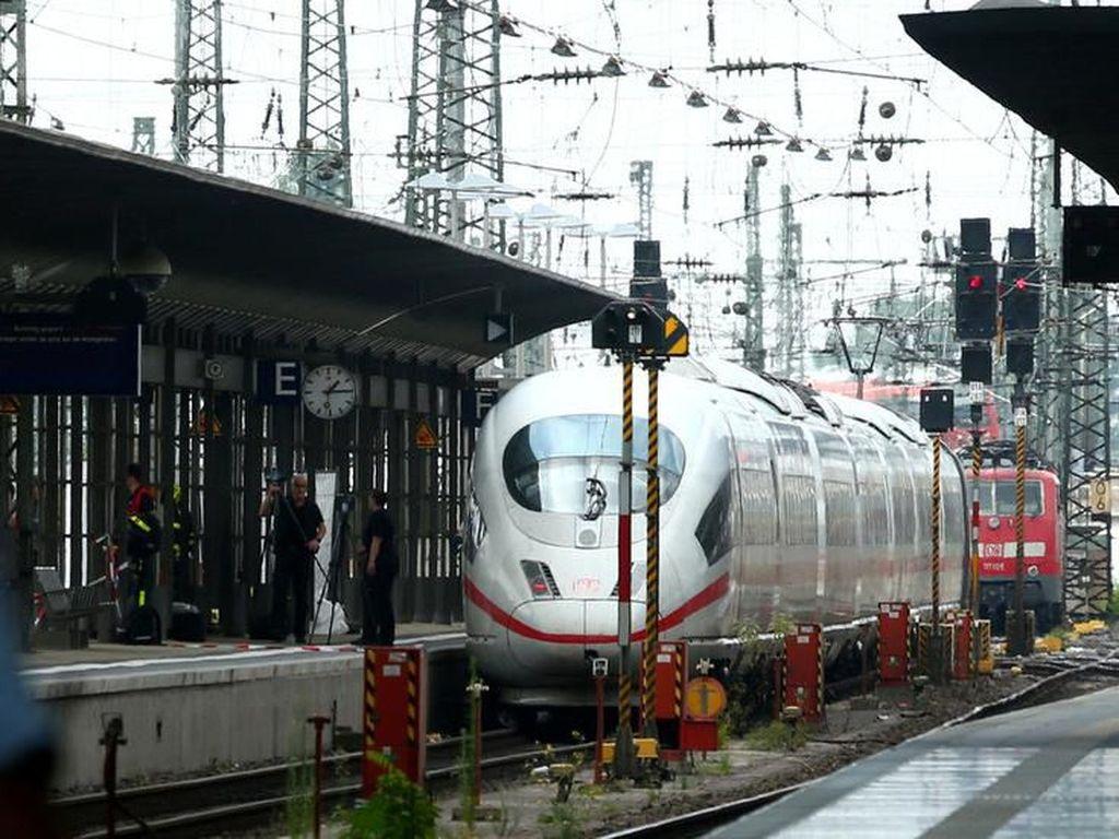 Jerman Dilanda Teror Dorong Korban di Kereta Berjalan