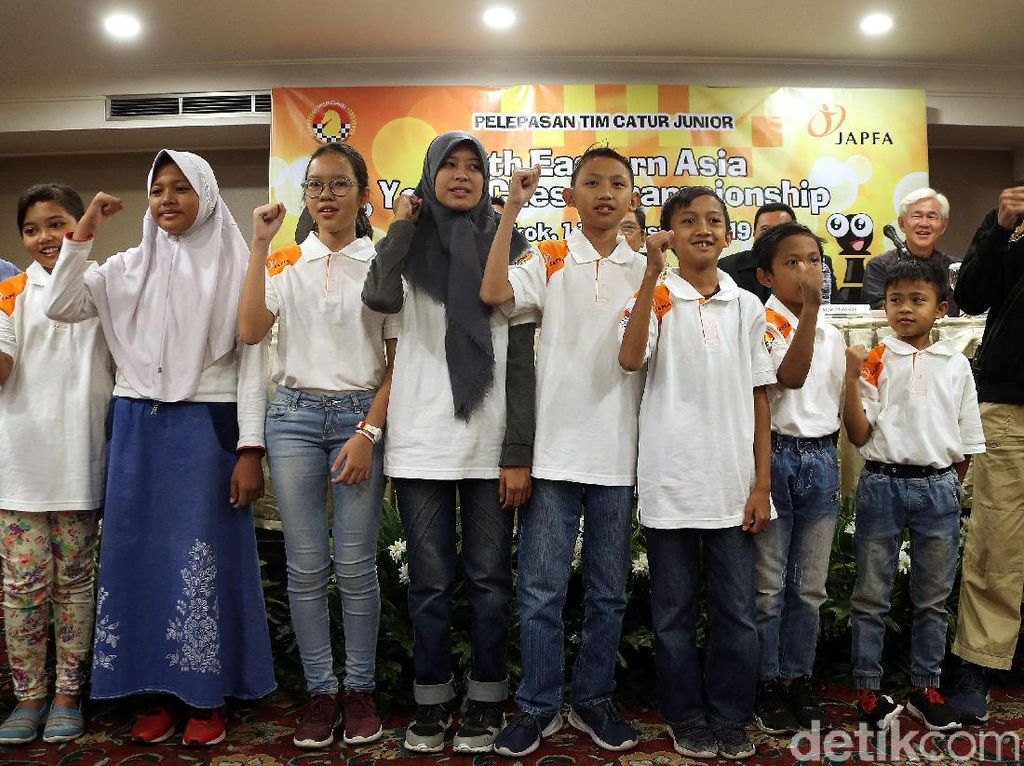 Percasi Berangkatkan 10 Pecatur Muda ke Bangkok