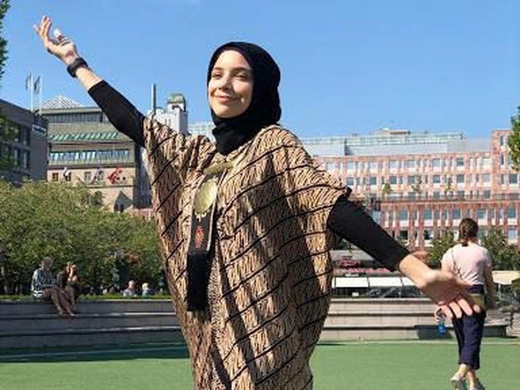Gaya Hijab Isabel Azhari, Putri Cantik Ayu Azhari yang Sudah Remaja