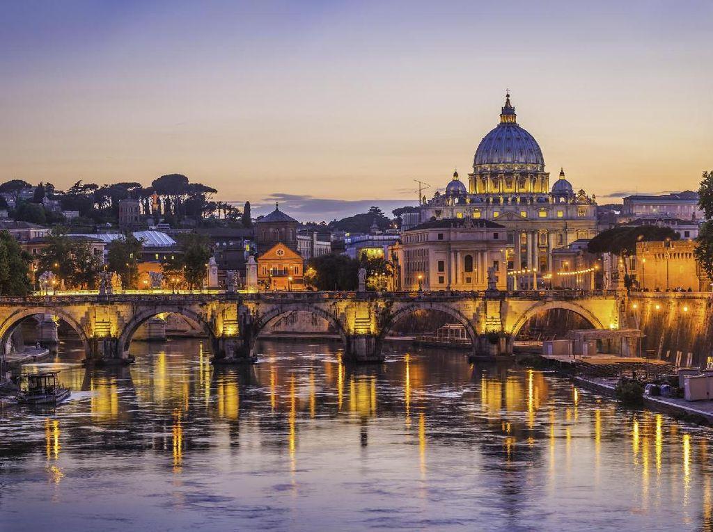 Tiket Gratis Keliling Roma dari Sampah Botol Plastik