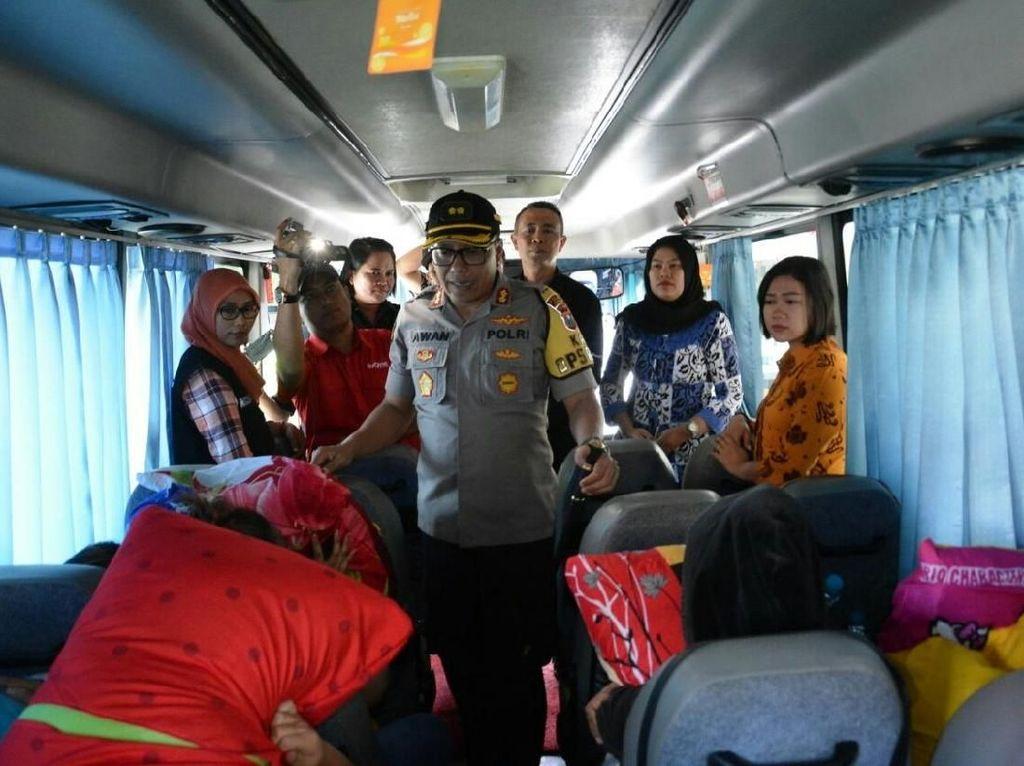 Belasan Gadis Bandung yang Dijadikan PSK di Situbondo Dibawa ke Surabaya